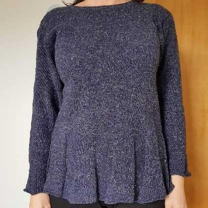 Gratis strikkeopskrift på peplum sweater
