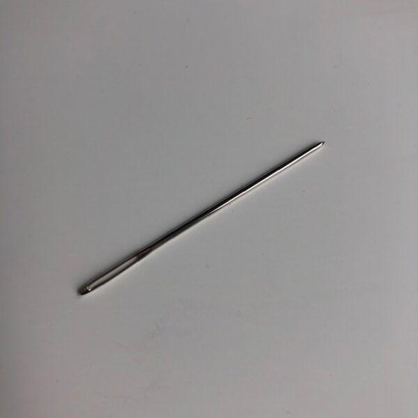 Stoppenål i metal med let afrundet spids
