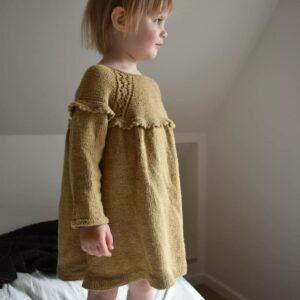 Opskrift på strikket kjole til piger